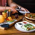 صورة فوتوغرافية لـ Pizza Burger Liquor