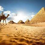 Full-Day Giza Pyramids and Cairo Tour