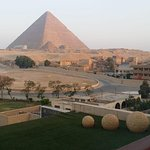 Luxury private tour to Giza pyramids