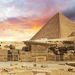 Tour to Pyramids & The Egyptian Museum