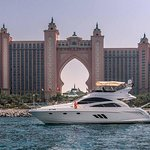 Dubai Luxusyacht Sightseeing