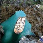 Desirèe coastal trips. Tour to visit the marine caves of Vieste