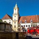 Old Town Tour in Bratislava by Prešporáčik Oldtimer