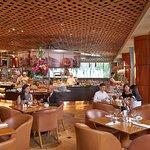 Dîner buffet à l'hôtel Fullerton à Singapour, restaurant citadin