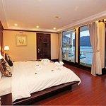 Hanoi: croisière de luxe de 2 jours et 1 nuit dans la baie d'Halong et la baie de Lan Ha