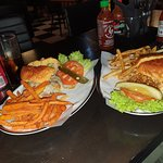صورة فوتوغرافية لـ Black Tap Craft Burgers & Shakes- Bahrain