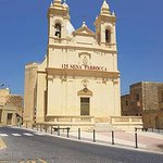 Bertinas is 1 minute away from the church in the heart of the village.