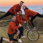 Recorrido en bicicleta autodidacta antes del amanecer de Haleakala