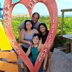 Família toda satisfeita com o lazer na praia particular, com a alimentação e estrutura pre e pós-banho! Momentos memoráveis.