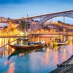 Apri la bellezza di Porto in 12 ore in un viaggio privato per un massimo di 3 persone