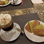 Spekkoek en Italian Coffee