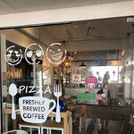 ภาพถ่ายของ Three Faces Pizza and Koffeebar