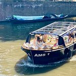 Amsterdam Small-Group Canal Cruise Plus Snacks and Drinks