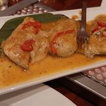 Pepesan van makreel; een onderdeel van de rijsttafel.