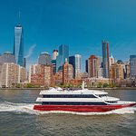 Exclusive: Luxury Christmas Eve Dinner Cruise in New York City