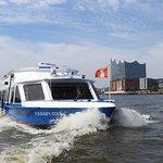 Boat tour in and around Hamburg