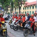 반나절 하노이 시티 오토바이 투어 - SEE- 문화 - 역사 - 불쌍한 ...