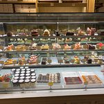 ภาพถ่ายของ La Baguette French Bakery