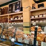 Photo de The Model Bakery