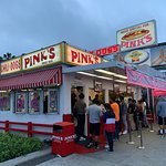 Pink's Famous Hot Dogs resmi