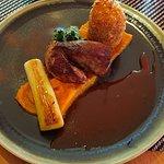 Filet migon de cochon, butternut, poireaux, croquette de pomme de terre truffée