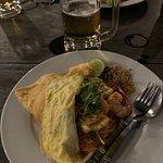 ภาพถ่ายของ ร้านอาหารและคาราโอเกะ ใบไม้ร่าเริง