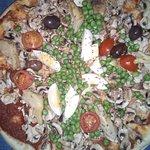 Fotografija – Mezzaluna Pizzeria and Restaurant