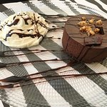 עוגת מוס שוקולד חלומית בתוספת קצפת