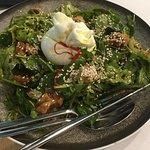 Η σαλάτα μας,απλά τέλεια..υπέροχα αρώματα και συνδιασμοί γευσεών και υφών!!