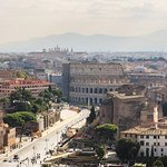 Rome: Spanish steps to the Colosseum itinerary and meet-up with a local host