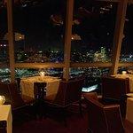Kayla - vista de la Ciudad desde el piso 31 / view of the city from the 31st floor