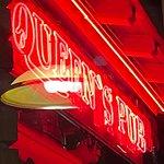 Φωτογραφία: Queen`s Pub