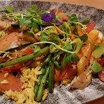 Abends: Curry-Basmatireis mit Gemüse - nicht auf der Speisekarte, aber für uns liebevoll zuberei