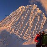 """攀登Alpamayo""""Wolrd最美麗的山峰"""""""