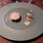 06 2eme Entrée Mi-cuit de foie gras de canard rôti, crémeux au céleri et noisettes, vinaigrette