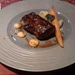 07 en plat Canon d'agneau sauté au foie gras, mousseline de légumes d'antan et pomme de terre au