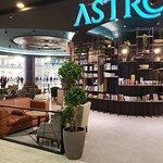 صورة فوتوغرافية لـ Astrolabe Coffee House - Abdali Mall