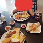 английский завтрак с ролл-курицей