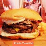 صورة فوتوغرافية لـ Burger & Potato Time