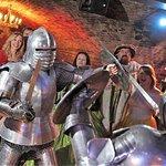 Middeleeuws banket- interactieve show, 4-gangendiner, ale en wijn bij het diner, disco