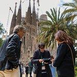 Complete Gaudí Tour: Casa Batlló, Park Guell & Sagrada Família with Tower Climb