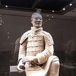 Private Xi'an Exploration Tour: Comparison of Warriors in Qin and Han Dynasty