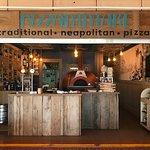 Foto de Pizzammare Traditional Neapolitan Pizza