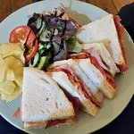 bacon and tomato sandwich