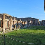 Pompeii Must-See Attractions Guided Tour with Skip-the-Line Access