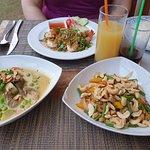 ภาพถ่ายของ Pine Tree Restaurant