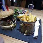 Photo de Cousin's Burger & Coffee