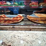 صورة فوتوغرافية لـ Famous Famiglia Pizzeria