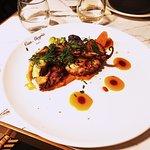 Poulpe grillé, purée de patate douce coriandre & romarin