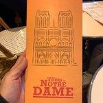 صورة فوتوغرافية لـ Aux Tours de Notre Dame